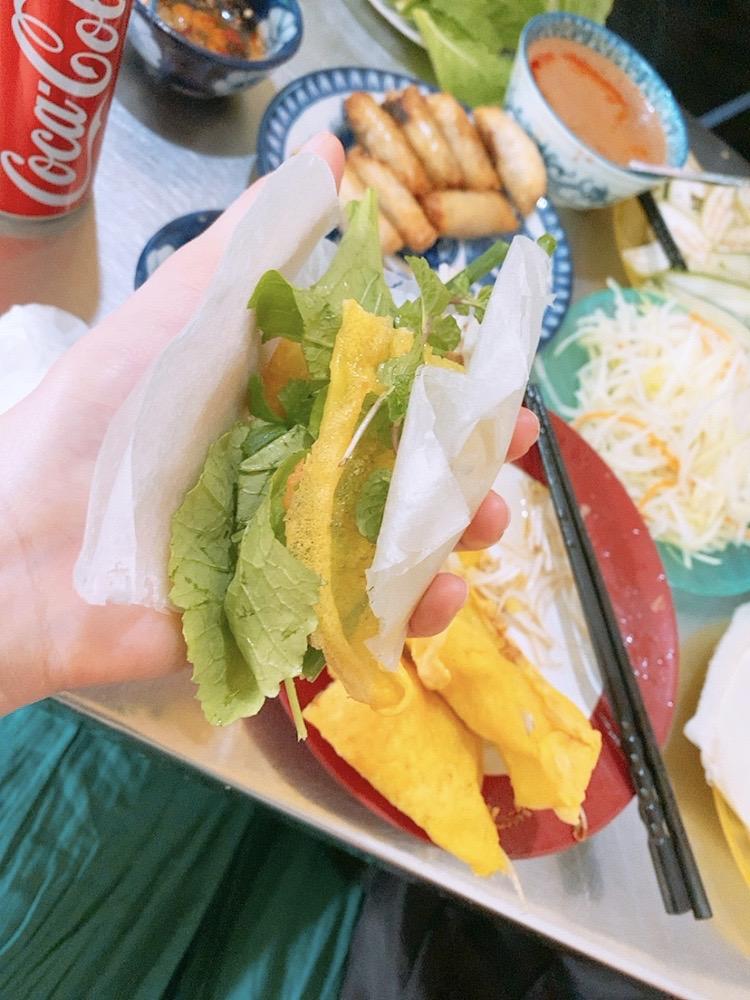 ベトナム ダナン 食事 バインセオ おすすめ レストラン ディナー 晩御飯 ランチ 食事 春巻き ベトナム料理