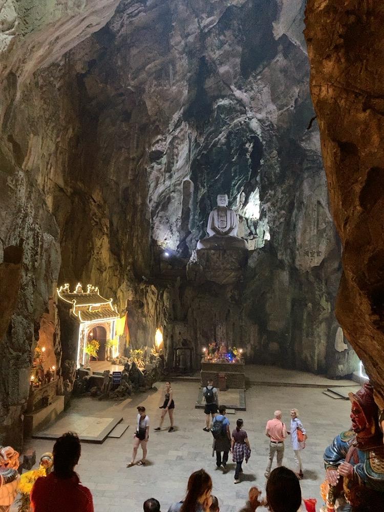 フィエンコ洞窟(Huyen Khong Cave)