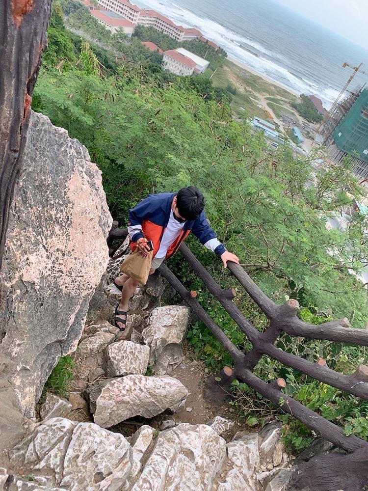 五行山 行き方 ハード 歩く 服装 崖 岩
