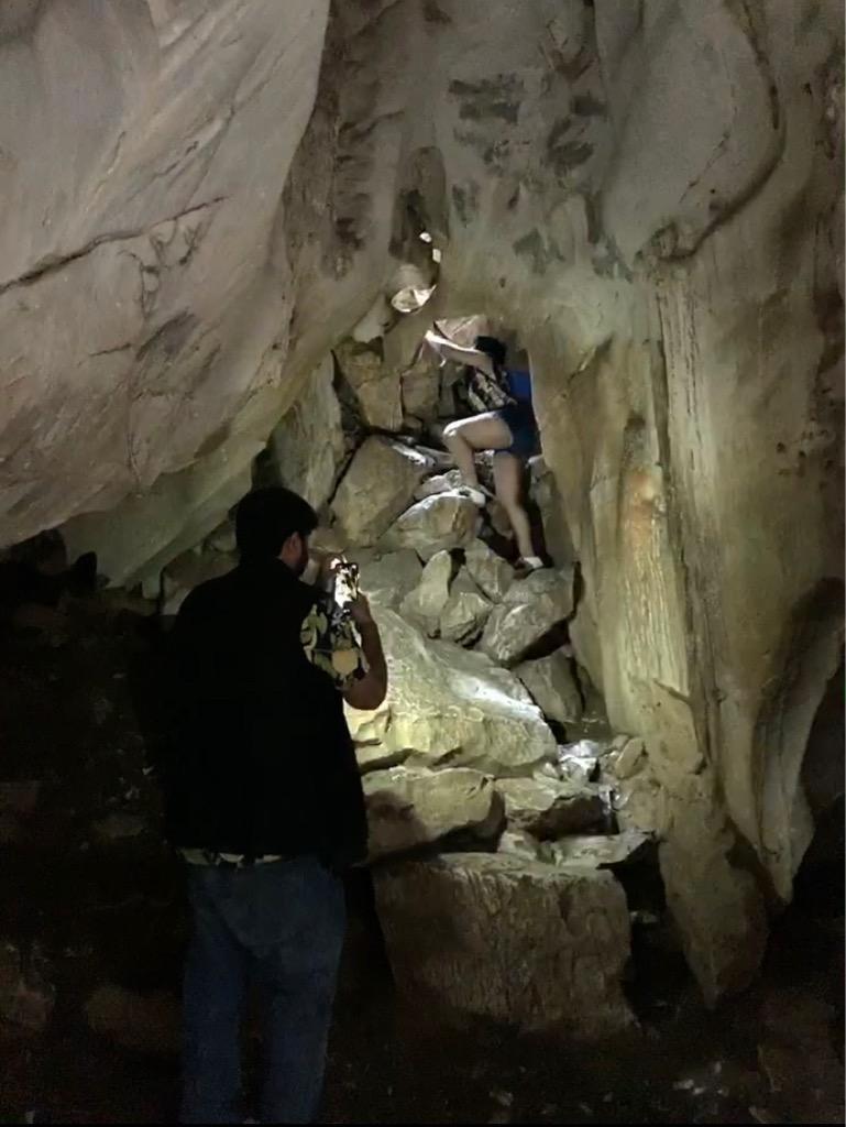 五鉱山 洞窟 ヴァントン洞窟(Van Thong Cave)