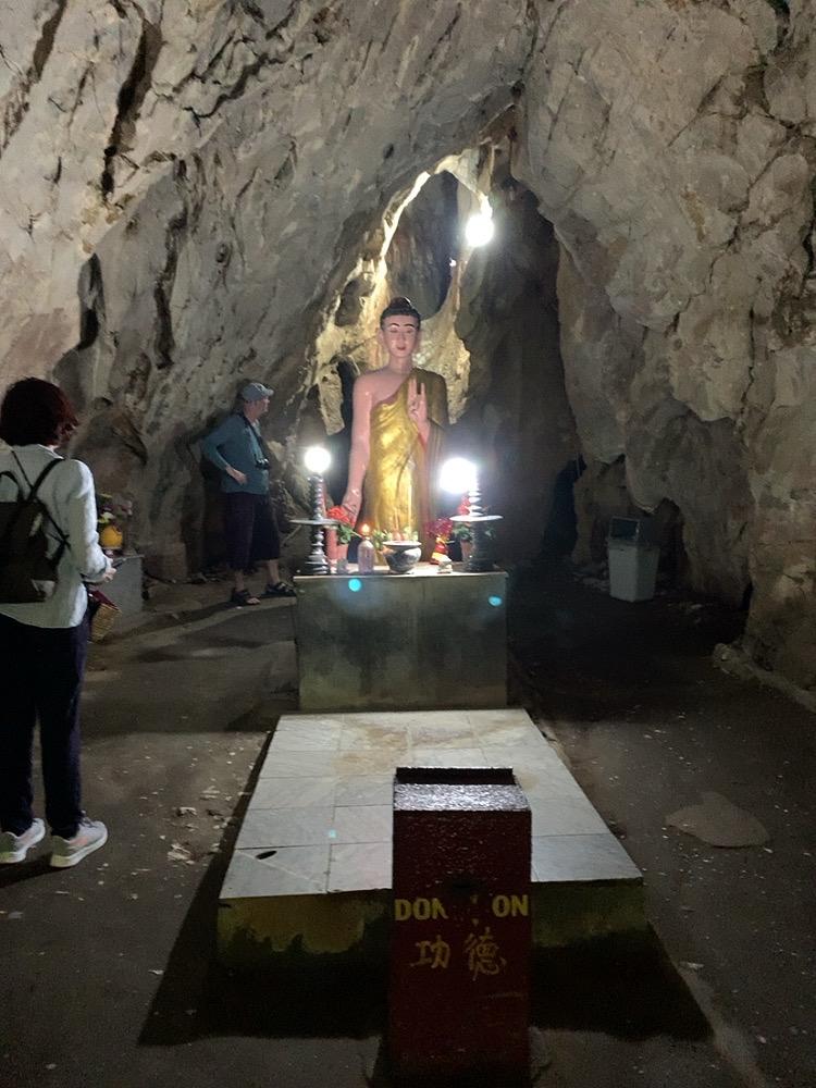五行山 行き方 ハード 歩く 服装 洞窟 五鉱山 洞窟 ヴァントン洞窟(Van Thong Cave)