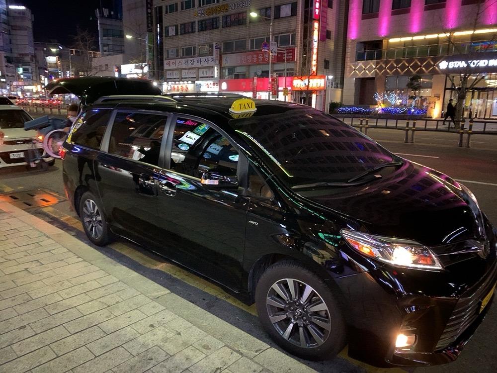 韓国 釜山 プサン タクシー チャーター 安全 大人数 大家族 観光 釜山港 5人 6人 5人以上 日本語