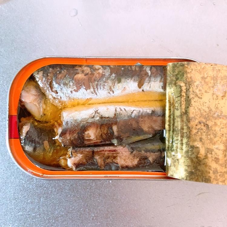 ニューカレドニア オススメ おすすめ お土産 缶詰 ばら撒き オイルサーディン